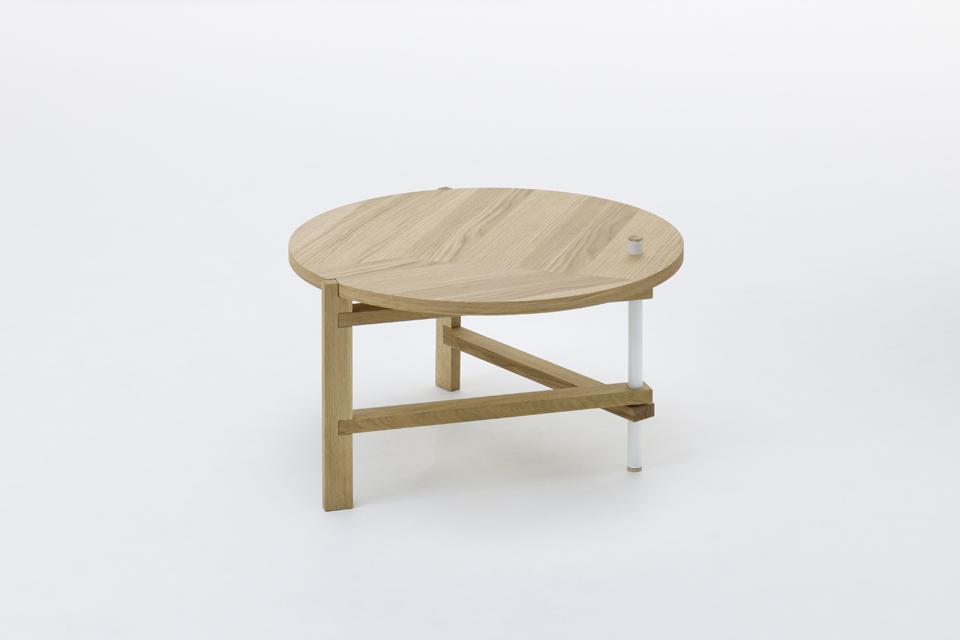 Tomas Alonso, A FRAME TABLE