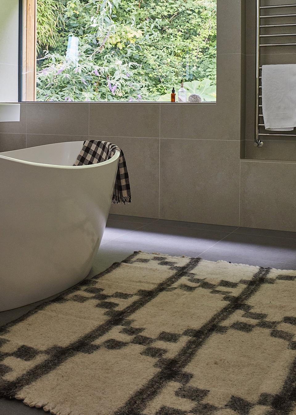 HANDMADE Master Bathroom Designs And Lay E A Html on