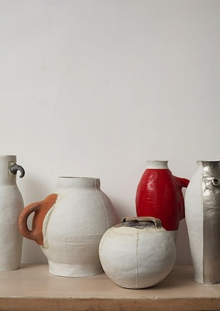 '7 Pots / 3 Centuries / 2 Materials' (1997) by Hella Jongerius - photo: Thomas Straub